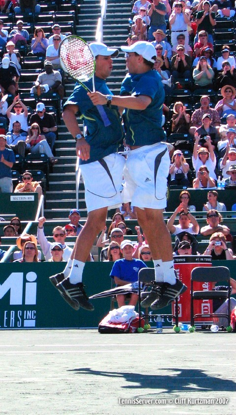Tennis - Mike Bryan - Bob Bryan - Byran Brothers Bump