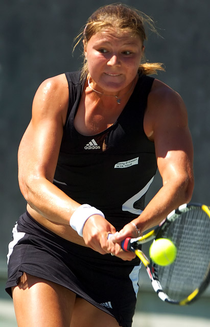 http://www2.tennisserver.com/images/Pablo/070412/Safina-Dominguez-Lino/Family.Circle.Cup-20070412-0685.jpg