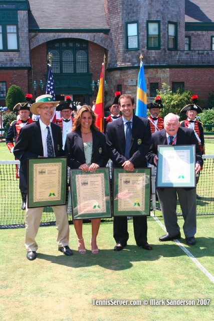 Hall of Famers Sven Davidson, Arantxa Sanchez-Vicario, Pete Sampras, and Russ Adams.