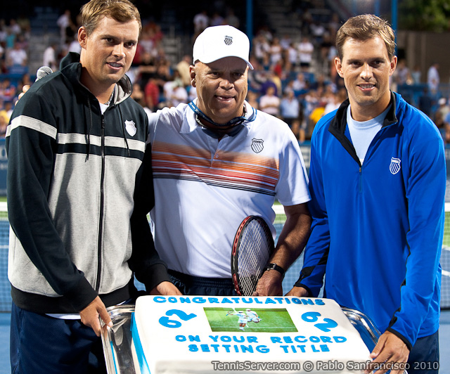 Mike Bryan Bob Bryan Wayne Bryan Ceremony Celebrating Record Of 62 Doubles Titles Legg Mason Tennis