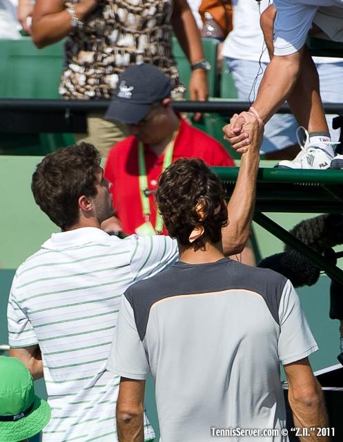 Roger Federer Gilles Simon 2011 Sony Ericsson Open Tennis