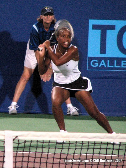 Tennis - Mashona Washington